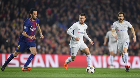 Courtois và Hazard: Khoảng cách giữa 2 chân, khoảng cách từ London đến Madrid… ảnh 1