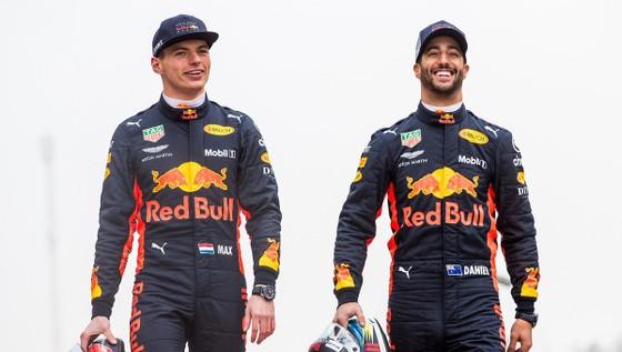 """Đua xe F1: Hamilton nhắn nhủ Verstappen: """"Muốn vô địch hả? Chờ đi cưng"""" ảnh 4"""