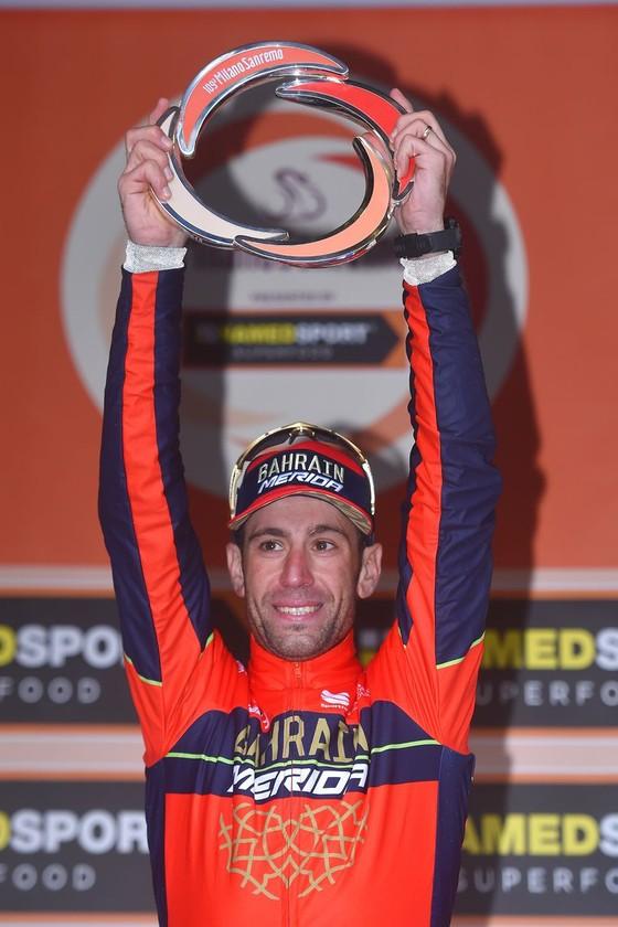 Xe đạp: Cavendish lại ngã sấp mặt, Nibali lên ngôi ở Milan-San Remo ảnh 2