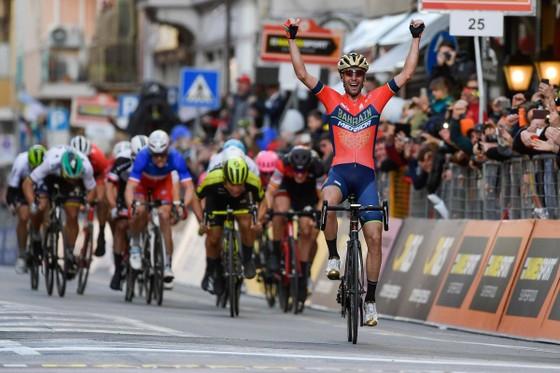 Xe đạp: Cavendish lại ngã sấp mặt, Nibali lên ngôi ở Milan-San Remo ảnh 1