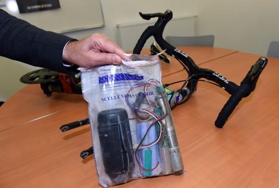 Xe đạp: Gắn động cơ vào xe đua, cua-rơ nghiệp dư bị cấm thi đấu 5 năm và phạt… 89 EUR ảnh 3