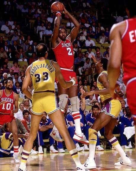 """NBA 2017-2018: Lập """"cú 30-30"""" thần thánh, Howard giúp Hornets chật vật hạ Nets ảnh 2"""