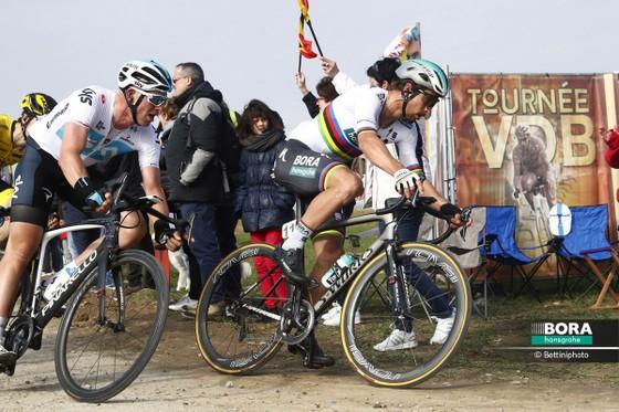 Xe đạp: Quá nhanh, quá nguy hiểm, Sagan đăng quang Gent-Wevelgem ảnh 1