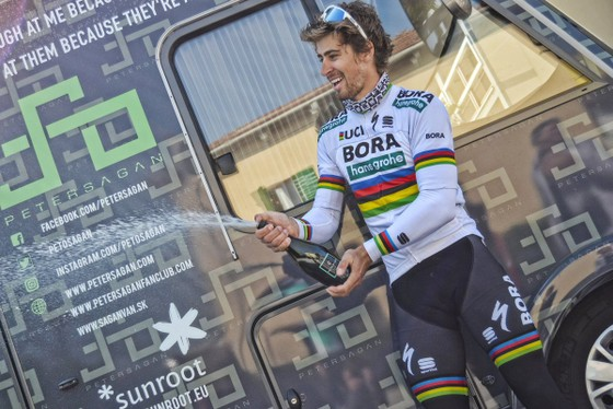 Xe đạp: Quá nhanh, quá nguy hiểm, Sagan đăng quang Gent-Wevelgem ảnh 3