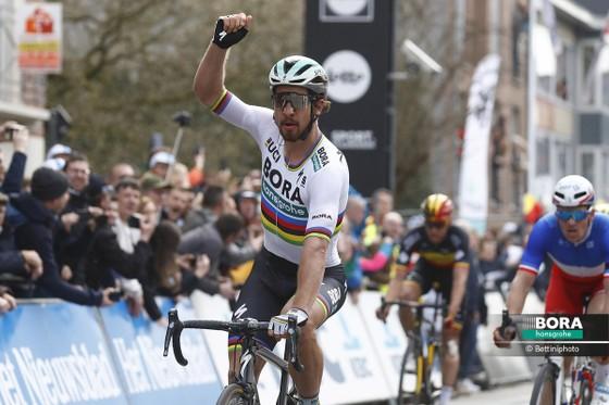 """Xe đạp: Valverde tạm vươn lên """"đỉnh Himalaya"""" ảnh 1"""