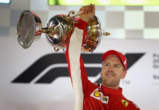 Đua xe F1: Vettel thắng chặng thứ 200, Hamilton chửi mắng Verstappen ảnh 4