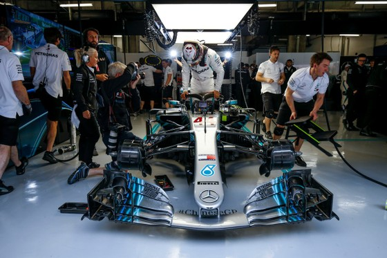 "Đua xe F1: Bị Ferrari dẫn 2-0, liệu Mercedes có ""trở cờ"" ảnh 2"