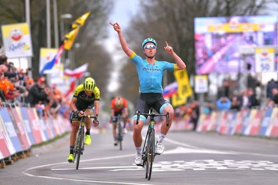 Xe đạp: Astana thắng tiếp ở Tour of the Alpes, Froome chỉ về đích thứ 4 ảnh 2