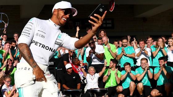 Đua xe F1: Hamilton thể hiện sự kính trọng dành cho HLV Wenger  ảnh 2