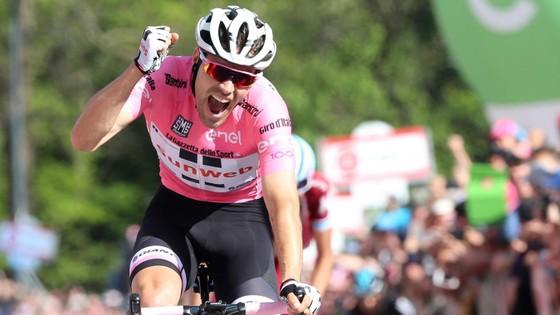 Tom Dumoulin khoác Áo hồng ở Giro d'Italia 2018