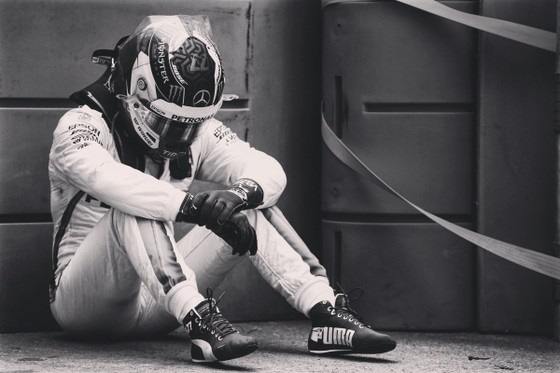 Đua xe F1: Hamilton đăng quang ở chặng đua điên rồ tại Azerbaijan ảnh 1