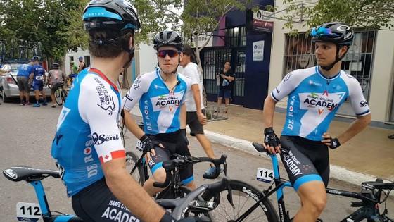 Các tay đua của Israel Cycling Academy