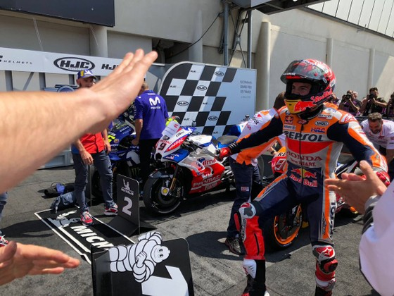 """Đua xe mô tô: Dovizioso """"tự xử"""", Marquez thắng chặng thứ 3 liên tiếp ảnh 4"""