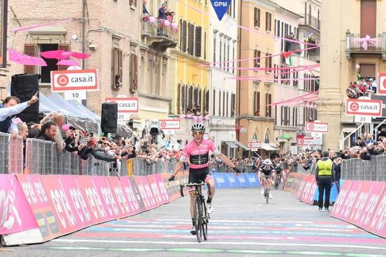 Giro d'Italia 2018: Simon, Dumoulin và Froome – đêm trước đại chiến ảnh 1
