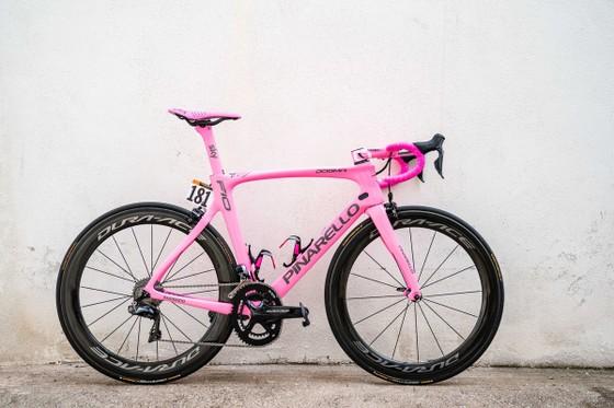 """Giro d'Italia 2018: Bennett thắng chặng cuối, Froome """"thống trị"""" cả 3 Grand Tour ảnh 2"""