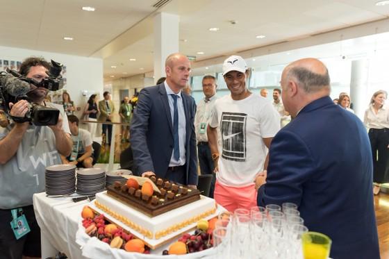 """Roland Garros 2018: Mừng sinh nhật thứ 32, Nadal thắng """"trọn gói"""" ảnh 4"""