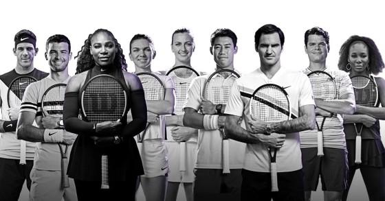 Khoảnh khắc cuối tuần: Federer chơi đùa với 2 con trai sinh đôi, Wozniacki lên ngôi ở Eastbourne ảnh 20