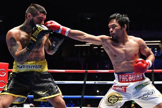 Quyền Anh: Hạ knock-out Matthysse, Pacquiao có trận thắng thứ 60