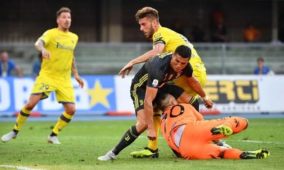 Tin bên lề: HLV Sarri sẵn sàng bỏ thuốc vì Chelsea ảnh 2