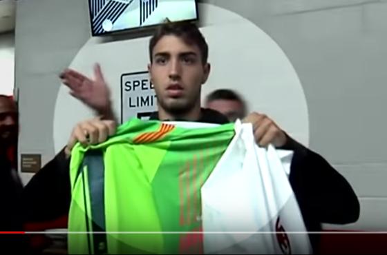 """BÊN LỀ: """"Trương Phi"""" Gattuso tát thẳng tay sao trẻ dám… khoe áo Barca ảnh 1"""