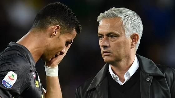 Thấy gì từ cơn khát bàn thắng của Ronaldo? ảnh 1