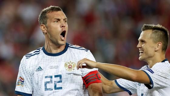 Dzyuba ghi bàn thắng quyết định cho Sbornaya