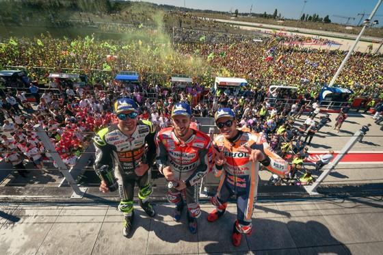 Đua xe mô tô: Đánh bại Marquez, Dovizioso giành chiến thắng ở Misano ảnh 5
