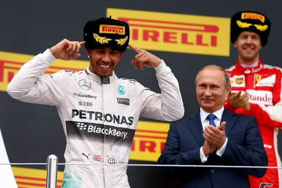 Đua xe F1: Sau ngôi vô địch ở Sochi, Hamilton đề xuất… đảo chiều đường đua ảnh 2
