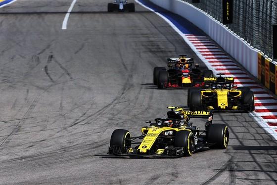 Đua xe F1: Sau ngôi vô địch ở Sochi, Hamilton đề xuất… đảo chiều đường đua ảnh 4