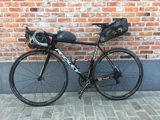 Xe đạp: Kết thúc mùa giải, De Gendt vẫn sẽ đạp 1.000 kilomet để về quê ảnh 1