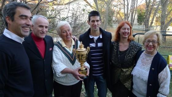 Novak Djokovic: Federer và Nadal khiến bạn phải tiến bộ ảnh 3