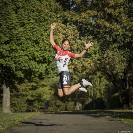 Xe đạp: Tay đua 37 tuổi VĐTG sát cánh cùng Nguyễn Thị Thật ở mùa sau ảnh 3