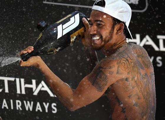 Đua xe F1: Hamilton kết thúc mùa giải bằng chiến thắng thứ 11 ảnh 5