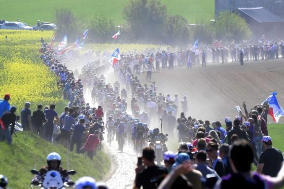 Xe đạp: Tay đua 52 tuổi chật vật tìm đội đua ảnh 2