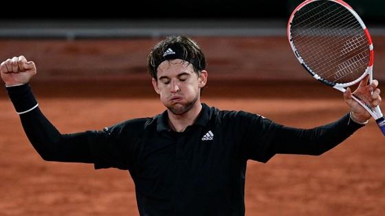 Roland Garros: Nadal nâng thành tích 12-0, Thiem chật vật sau 5 ván, Zverev từ chối trả lời The New York Times ảnh 2