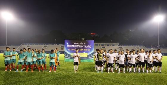 FC Thủ Đô - FC Kiến trúc sư: Trận cầu thiện nguyện nghĩa tình hướng về miền Trung thương yêu ảnh 2