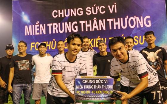 FC Thủ Đô - FC Kiến trúc sư: Trận cầu thiện nguyện nghĩa tình hướng về miền Trung thương yêu ảnh 1