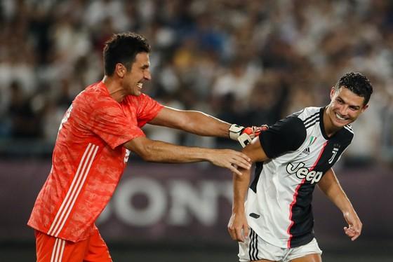 Buffon và Ronaldo