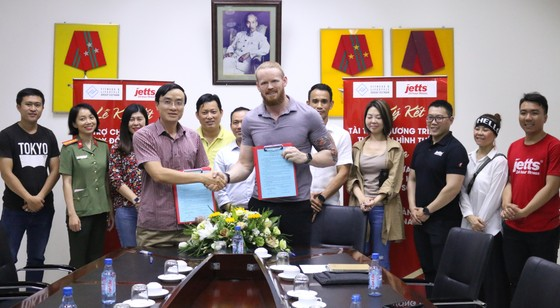Buổi lễ ký kết giữa Công an Cửa khẩu Tân Sơn Nhất và Tập đoàn FLG Việt Nam