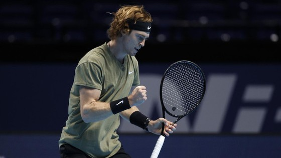 ATP Finals: Rublev thắng trận thứ 41, Nadal gặp Medvedev ở bán kết ảnh 1