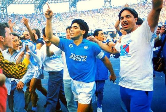 Huyền thoại bóng đá Diego Maradona: Những khoảnh khắc đáng nhớ trong sự nghiệp đầy rẫy sắc màu ảnh 11