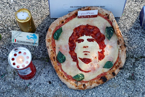 Thành Naples và CLB Napoli tiễn đưa Diego Maradona bằng sự kiện tưởng niệm đầy xúc động ảnh 3