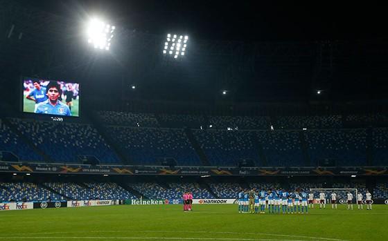 Thành Naples và CLB Napoli tiễn đưa Diego Maradona bằng sự kiện tưởng niệm đầy xúc động ảnh 20