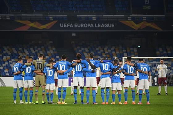 Thành Naples và CLB Napoli tiễn đưa Diego Maradona bằng sự kiện tưởng niệm đầy xúc động ảnh 21