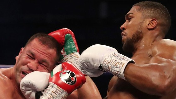 """Anthony Joshua """"cơ bắp"""" hạ KO """"Rắn hổ mang"""" Kubrat Pulev: AJ sẽ sớm có trận """"nhất thống giang hồ"""" với Fury ảnh 3"""