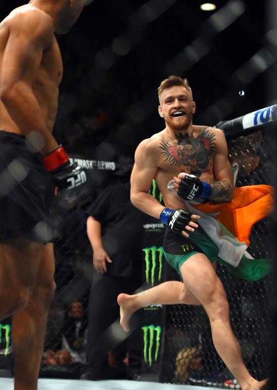 """""""Gã điên Ailen"""" Conor McGregor: """"Mỏ vàng"""" của UFC, kiếm 516 triệu USD bản quyền truyền hình sau... 7 năm ảnh 4"""