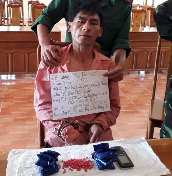 Bắt một đối tượng vận chuyển 2.000 viên ma túy tổng hợp từ Lào về  ảnh 1
