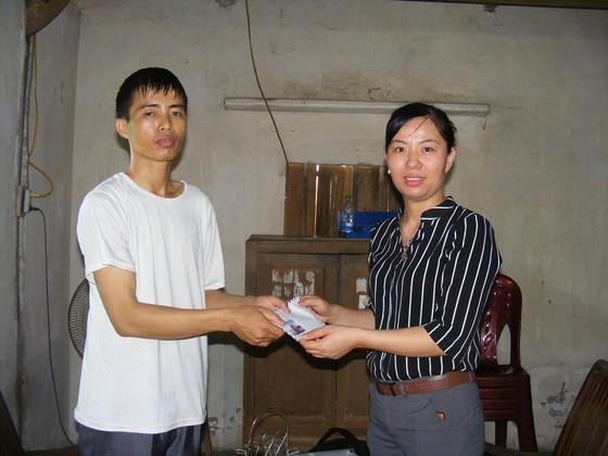 Báo SGGP trao tiền hỗ trợ 3 bố con bị bệnh tan máu bẩm sinh tại Nghệ An ảnh 1