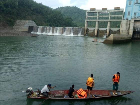 Khởi tố 2 nhân viên nhà máy thủy điện xả nước gây chết người ảnh 1