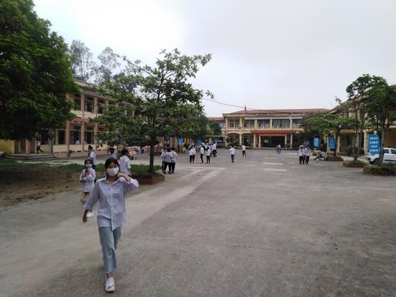 Gần 300.000 học sinh Thanh Hóa trở lại trường học ảnh 1